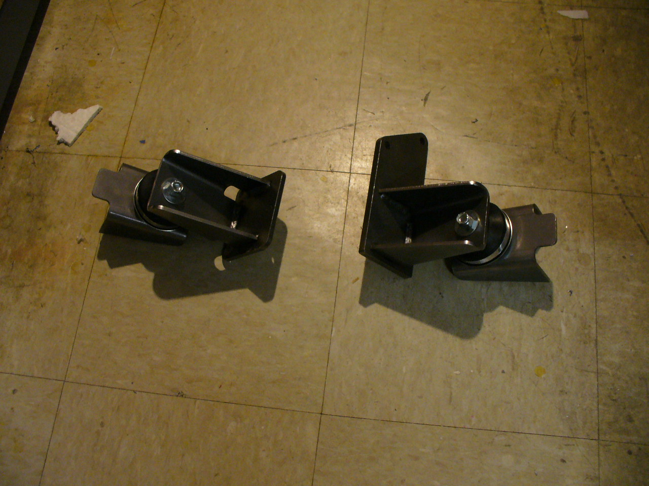10048 Side Motor Mounts For 1962